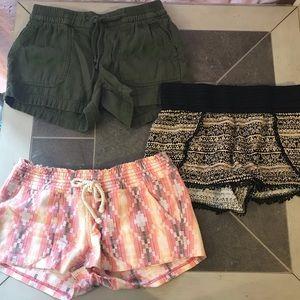 Beach shorts bundle x3! Roxy S